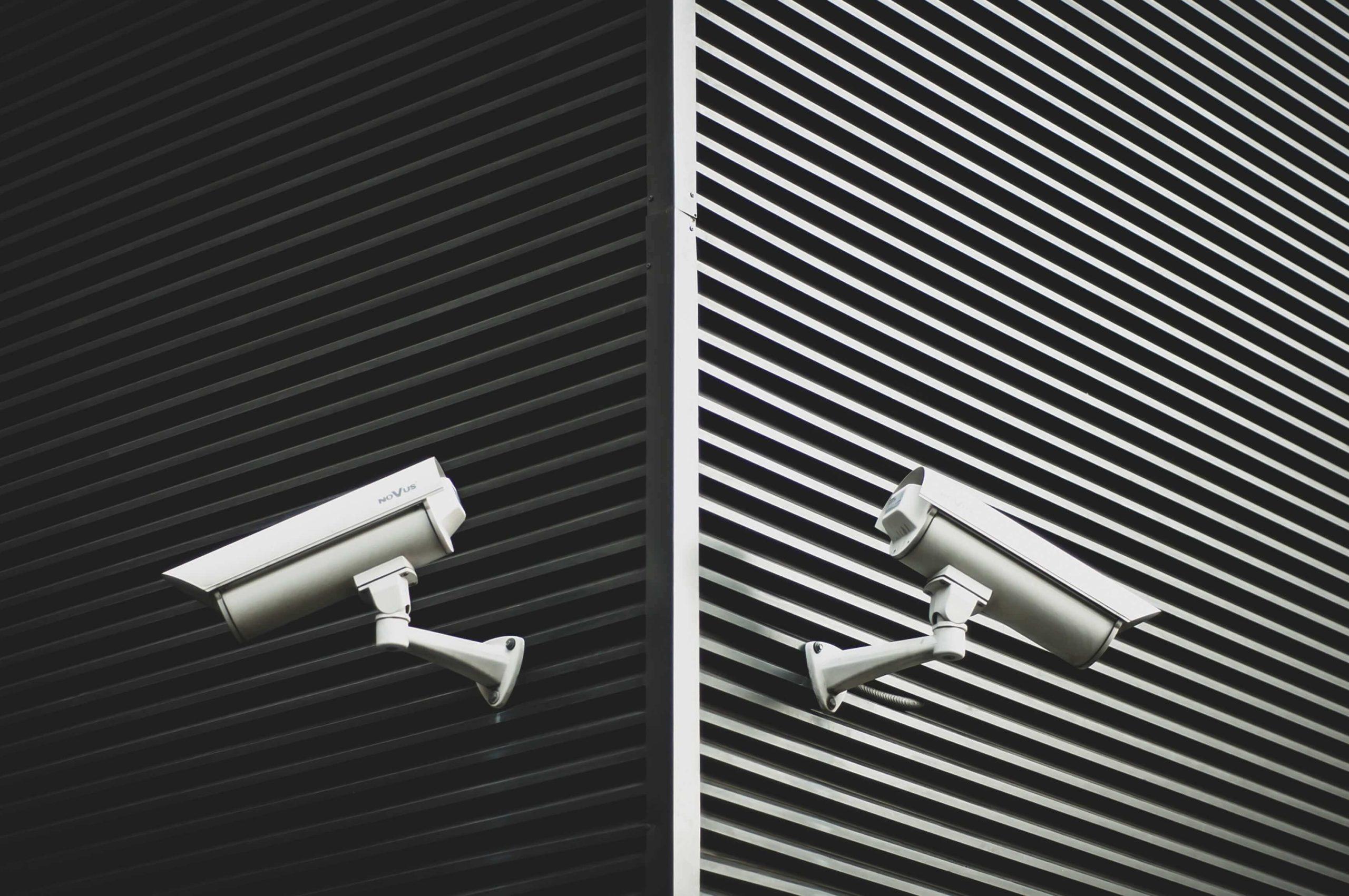 3 motive pentru care camerele de supraveghere ajută la prevenirea răspândirii noului virus!